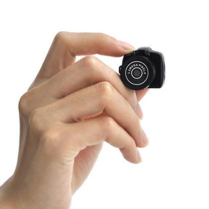 長時間録画 超低照度レンズ付き メモリーカード32GB対応 真っ暗でも撮影可能